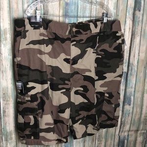 Dickies Camo Print Shorts size 44